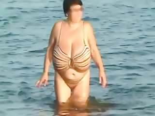 Voyeur Beach Big Tits video: Huge beach boobs