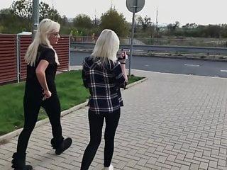 Voyeur Teen Skinny video: Outside Leggings, See Through Yoga Pants Walk
