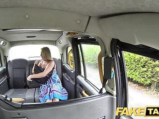 假大出租車媽媽與大自然山雀獲取大英國公雞