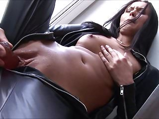 Sex Toys Fingering Latex video: Tatiana - Wardrobe Surprise