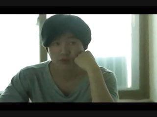 请给这个可爱的韩国女孩的名字