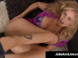 Pov Foot Fetish Blonde video: Beautiful Cougar Julia Ann Blows Cock & Spits Cum On Feet!