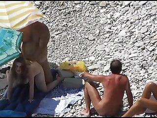 沙灘性愛偷窺4 dr3