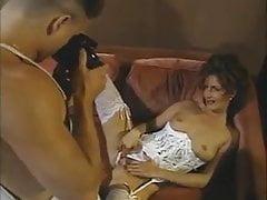 Razzla Sciura saca su culo haciendo las fotos