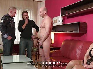 Amateur Hardcore Threesome video: 2 PIMMEL und eine enge kleine Fotze