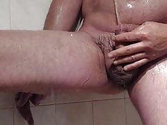 rasiert und pinkeln