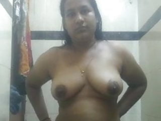 Indian Milf Mature video: Indian sexy wife Priya