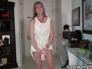 Milf Mature Pantyhose video: An older woman means fun part 179