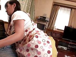 沮丧的母亲诱惑女儿rsquos私人导师