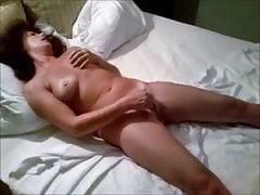 Sexy Puma masturbiert