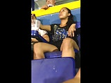 Nena nalgona cachonda en el estadio