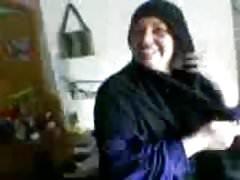 nadržený arab v prdeli její milenkou