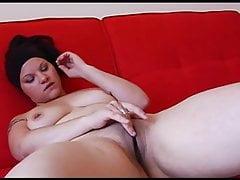 Französisches molliges Mädchen