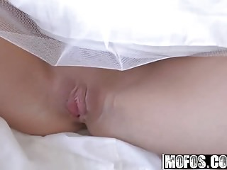 Cumshots Amateur Handjobs video: Mofos - Pervs On Patrol - Bella Rosel - Bad Bridesmaids Reve