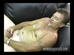 Mature Amateur Dave Jacking Off   Porn-Update.com