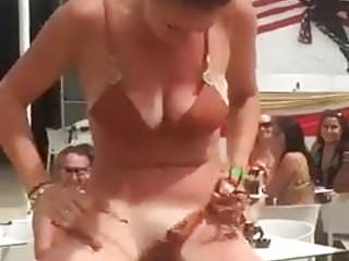Handjobs Spy porno: spy the pussy in mechanical bull