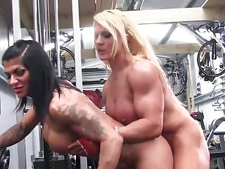 Muscular Women Big Clits xxx: Lesbians bodybuilders sex at the gym
