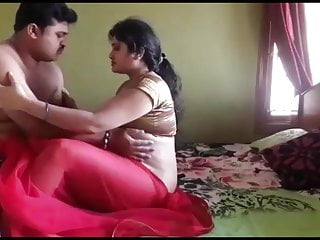 Indian Milf Mature video: Tamil couples latest hot sex (FIRSTONNET 2019)