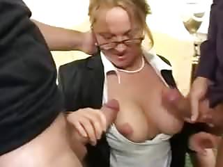 .German mature mom anal double penetration and cum swallow.