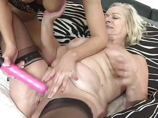 Teen Blonde Lesbian video: Granny super squirter Jarmila