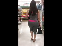 Enorme culo latina cubana MILF in Leggings
