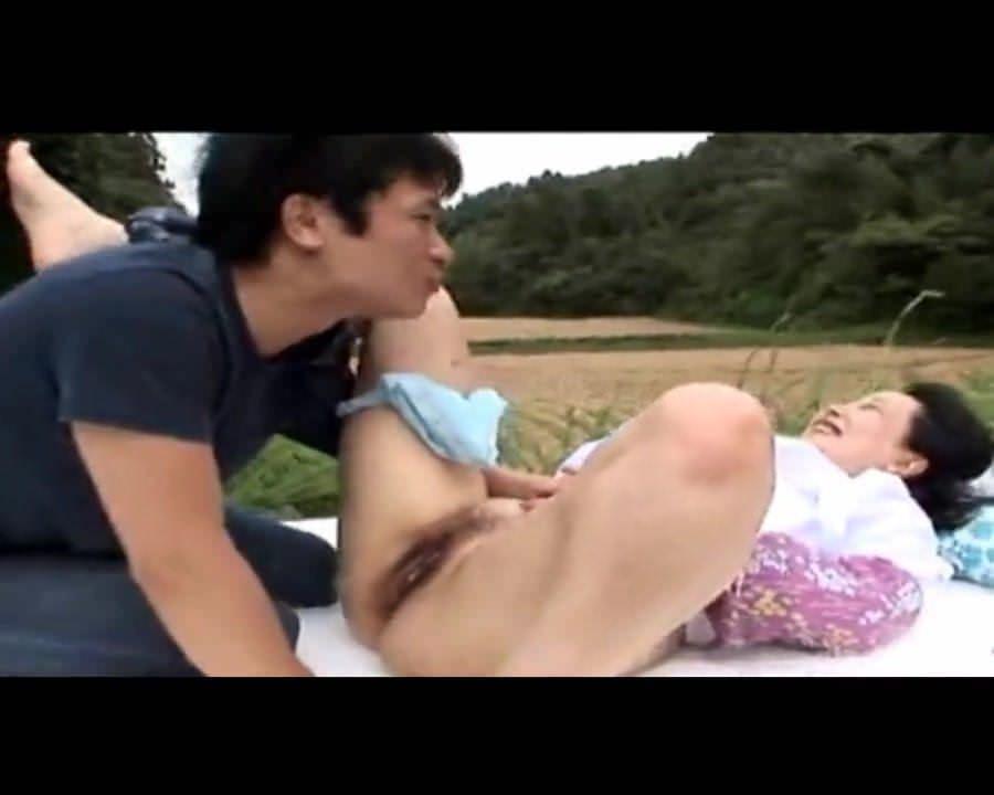 Секс видео куслинг