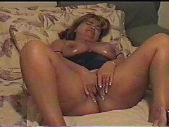 Mature Wifey Frigs Herself