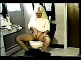 Vintage American milf pee movie p.2