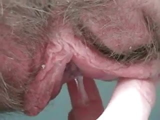 Squirting Fingering Pussy video: Dripping big hairy pussylips