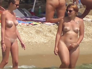 Babes Voyeur xxx: Naturists couple blonde slim female friends tatoo