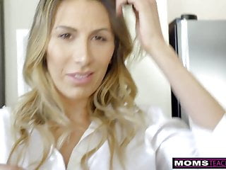 MomsTeachSex - Hot Mom Caught With StepSiblings In Threesome