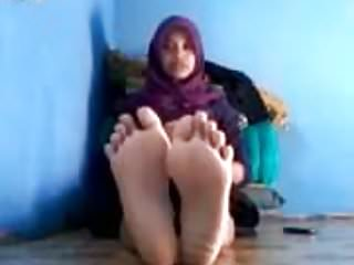 Arab Hijab video: hijab malay feet and soles