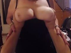 POV Cougar's BIG Naked Boobs haciendo crecer