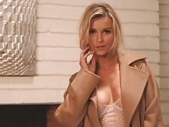 TeasingCelebVids Sexy Celeb Strip Tease kompilace
