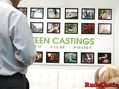 Teenie follada duro en la audición de casting