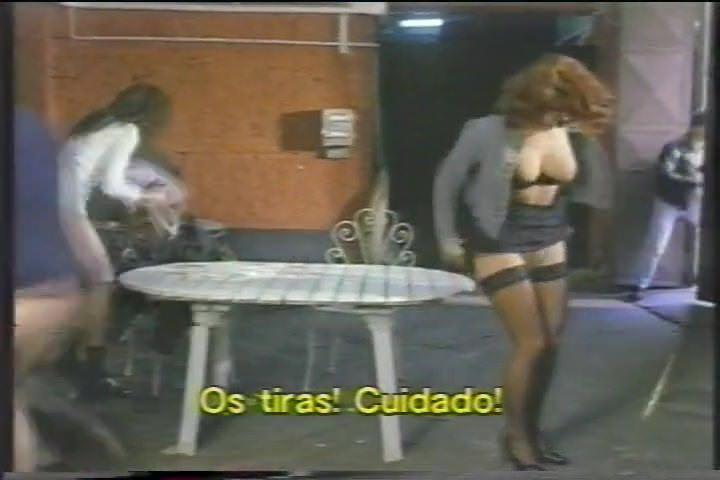 Зрелые женщины на сеновале видео