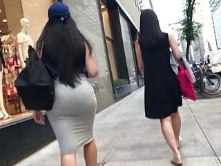 Voyeur Brunette porno: Walking Perfection