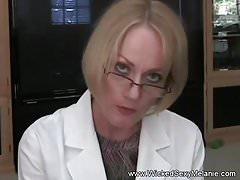Vecchio Dottoressa Handjob E Grande Eiaculazione
