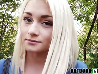 Teens Blondes Pov video: Real teen beaty POV screwed for cash in a public park