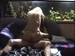 Cocu maison blonde femme