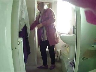 Voyeur Blonde Hidden Camera video: wondertongue