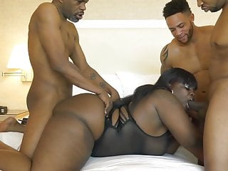 Gangbang Squirting Black video: Marley Moore gets all 3 holes STUFFED in Vegas!