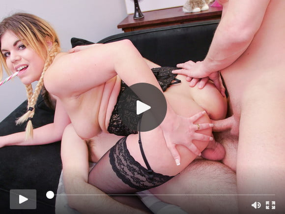 LA COCHONNE - First time anal DP for newbie in threeway