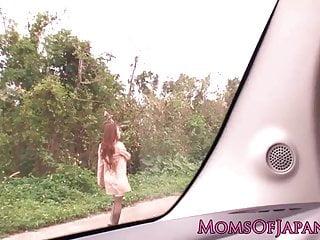 日本成熟的田中瞳在户外捣乱