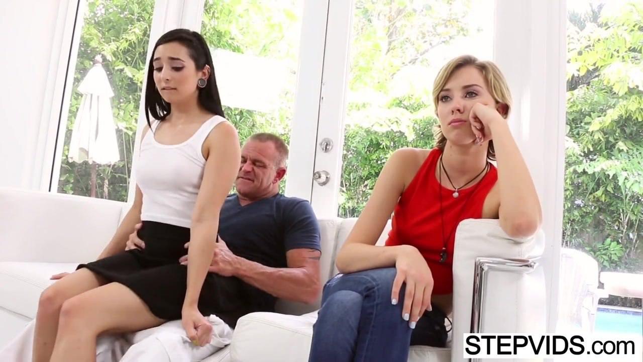 Порно с девушкой с маленькими сосками