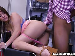 Bigbooty BBC amatoriale scopata durante un'audizione sessuale