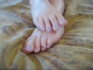 Anyone know her name feet joi...