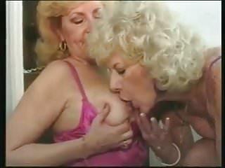 Granny lesbians pissing together...