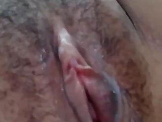 Desi sucking pussy by bf...