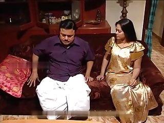 Real aunty saree...